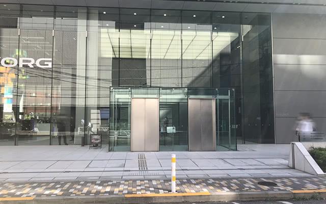 JR西口・東京メトロ日比谷線からお越しの方 順路6